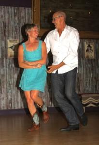 Jill & Dale dancing
